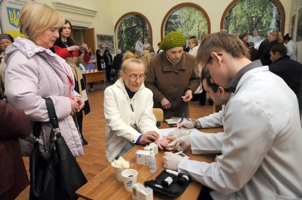 Под Харьковом люди в халатах сражались за пациентов