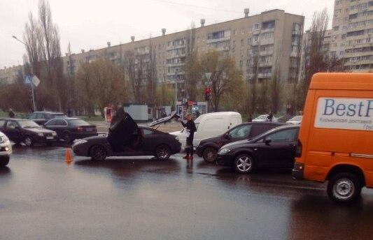 В Харькове произошло элитное ДТП (фото)
