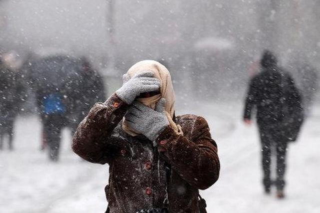 Харьков снова засыпает снегом (видео)