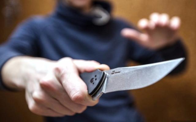 В Харькове вооруженный мужчина перепугал своих соседей