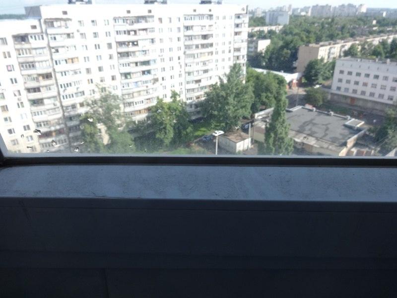 На Салтовке перевернули все балконы в поисках наркотиков