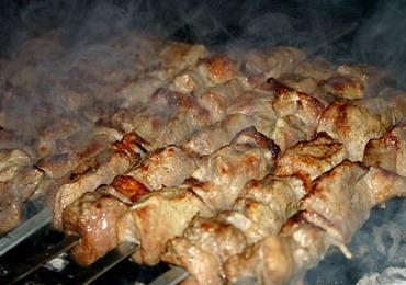 Харьковчане поделились секретами быстрого приготовления шашлыка