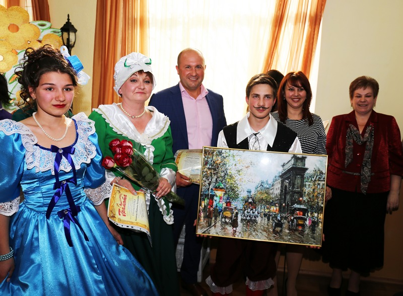 В Харькове детский театр с большим успехом представил премьеру спектакля