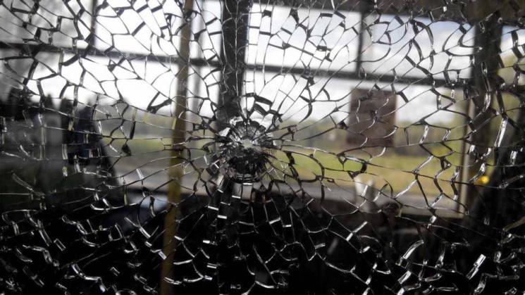 На Салтовке обстреляли общественный транспорт (фото)