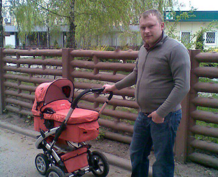 Женщина с маленьким ребенком разыскивают харьковского таксиста
