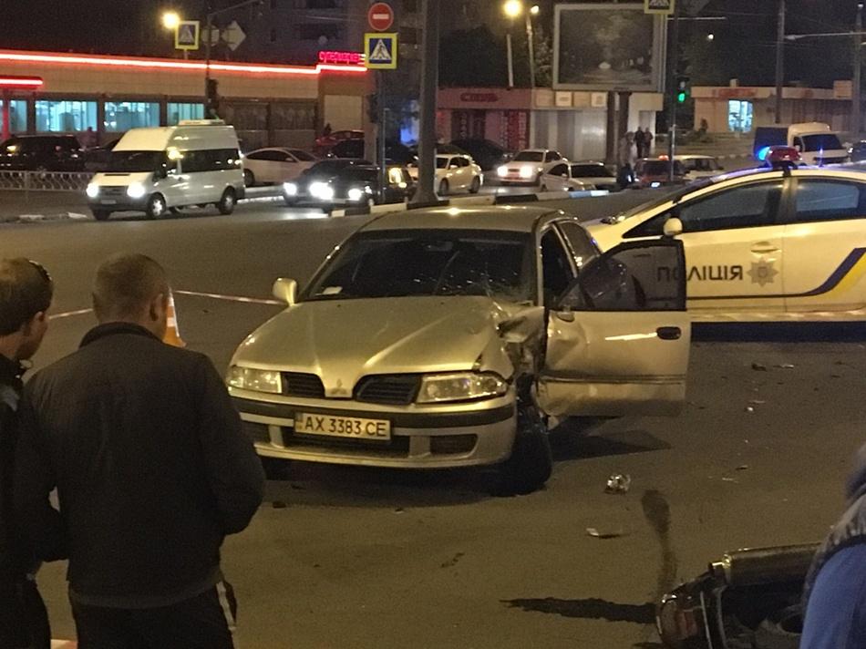 Родственники погибшего на Одесской мотоциклиста не дали подозреваемому сбежать из зала суда