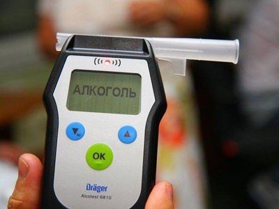 Полицейский начальник, врезавшийся в столб, отказался проходить тест на алкоголь на месте ДТП