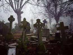 Случай на кладбище заставил харьковчан поверить в потусторонний мир