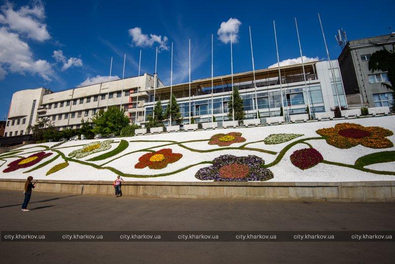 В центре Харькова появилось новое место для необычных селфи (фото)