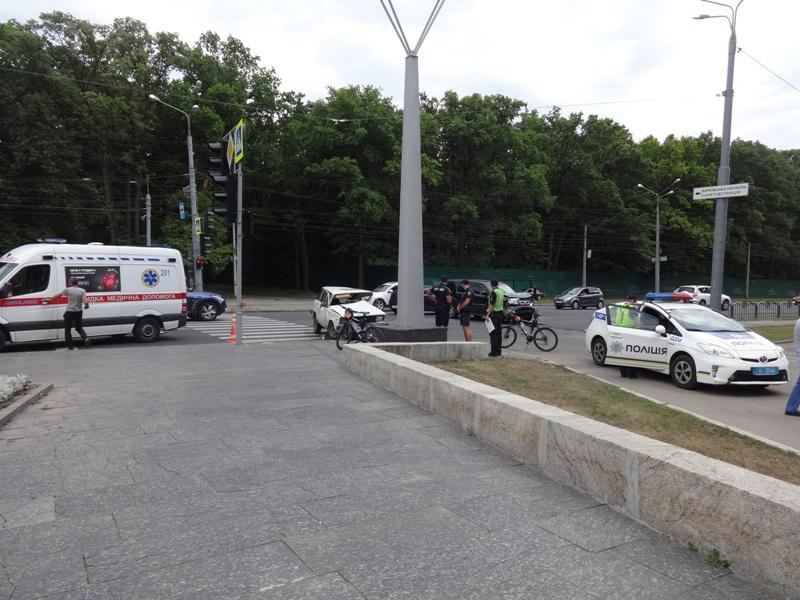 Харьковские перекрестки  притягивают жуткие неприятности (фото, видео)