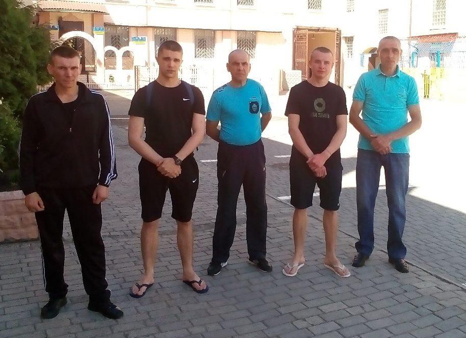 В колонии на Харьковщине преступников отпустили по домам