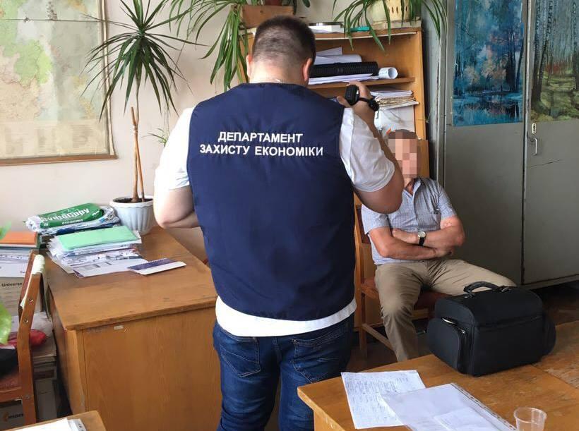 Желание помочь студенту испортило жизнь сотрудникам харьковского вуза (фото)