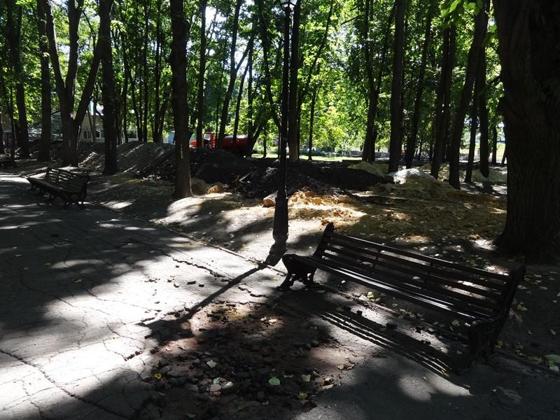 В центре Харькова меняют ландшафт (фото)