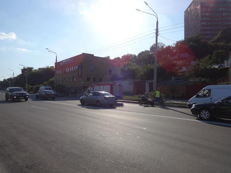 Аномальная жара добавляет проблемы харьковским автомобилистам (фото)