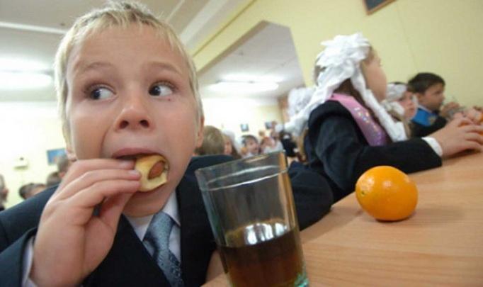 Стоимость питания увеличили в школах Харькова