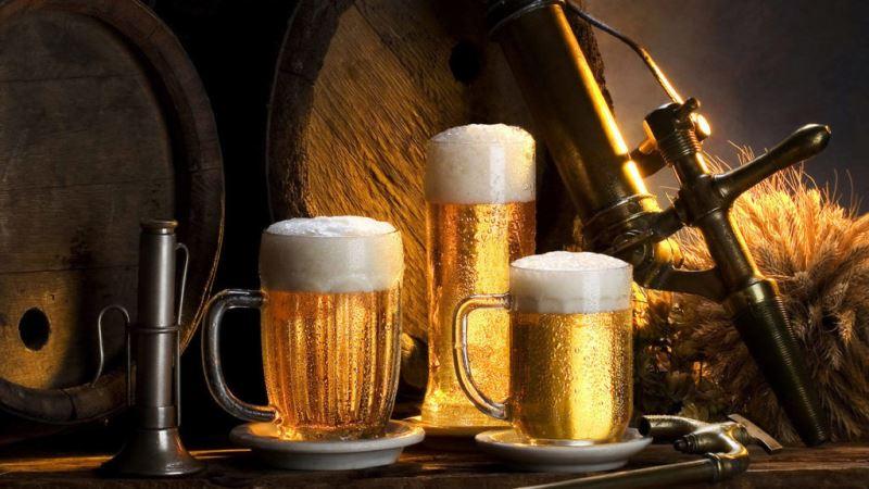 Харьковчане выстраиваются в очереди за древним напитком