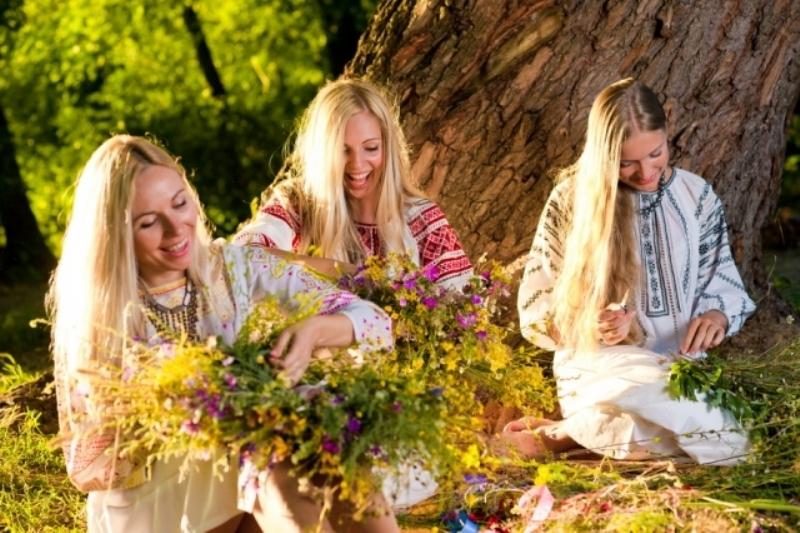 На праздник цветов харьковчанки собирают магический букет