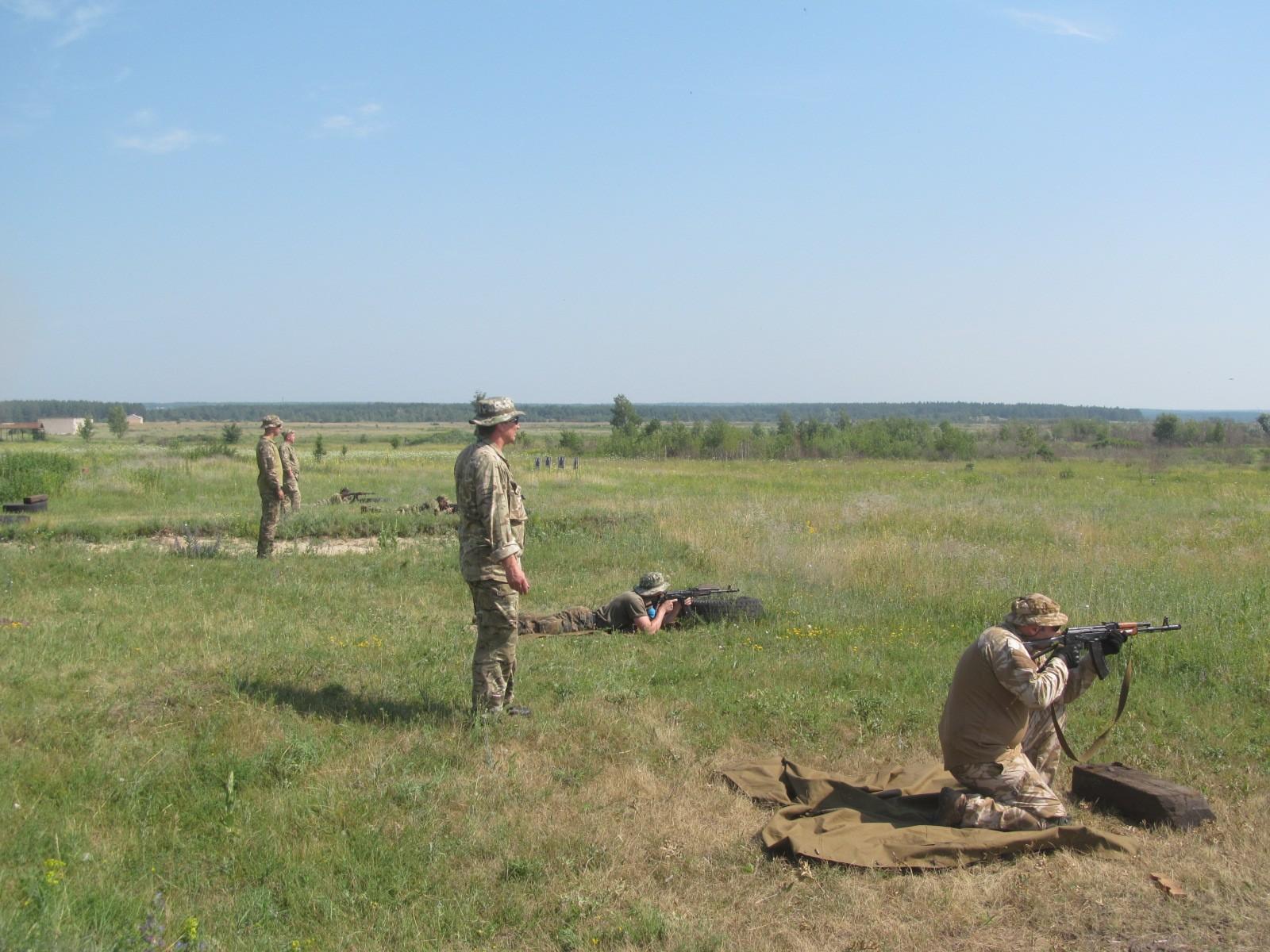 Несколько сотен харьковских мужчин снимут с работы и отправят в поля