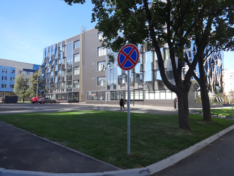 Харьковчане попали в ловушку из-за нового центра административных услуг (фото, видео)