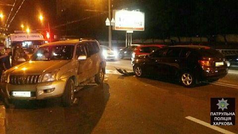 Авария произошла в Харькове. Есть пострадавшие (фото)