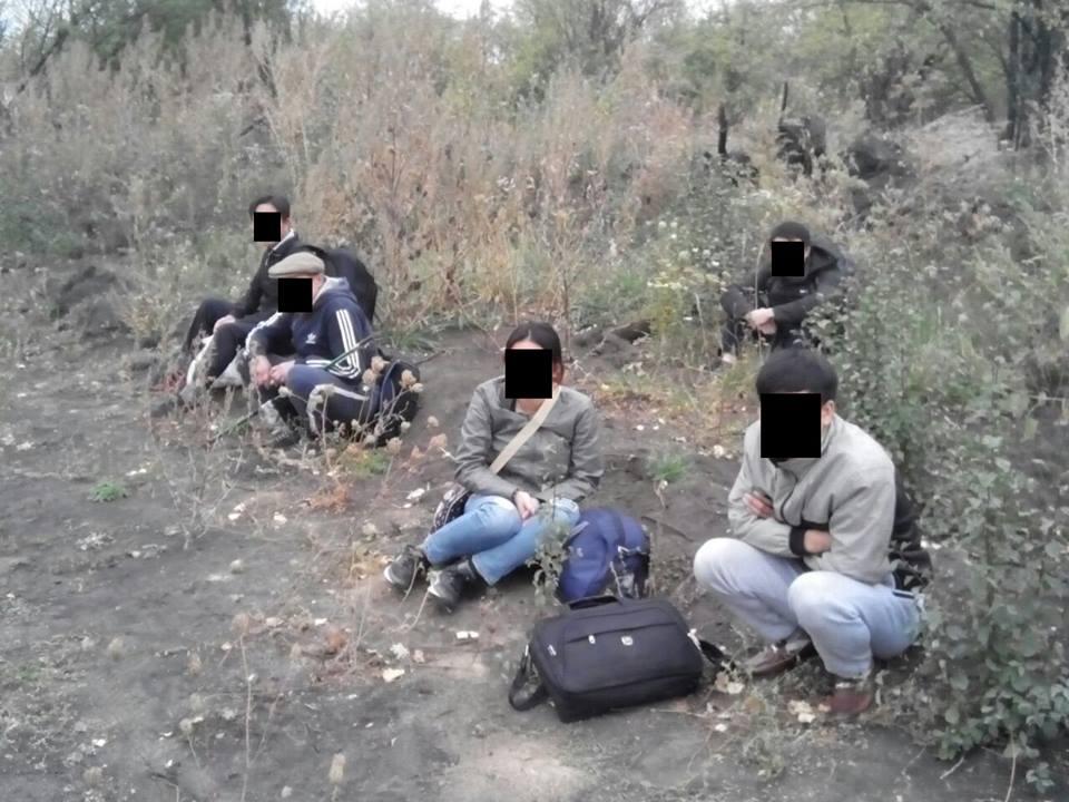 Группу подозрительных людей задержали на границе