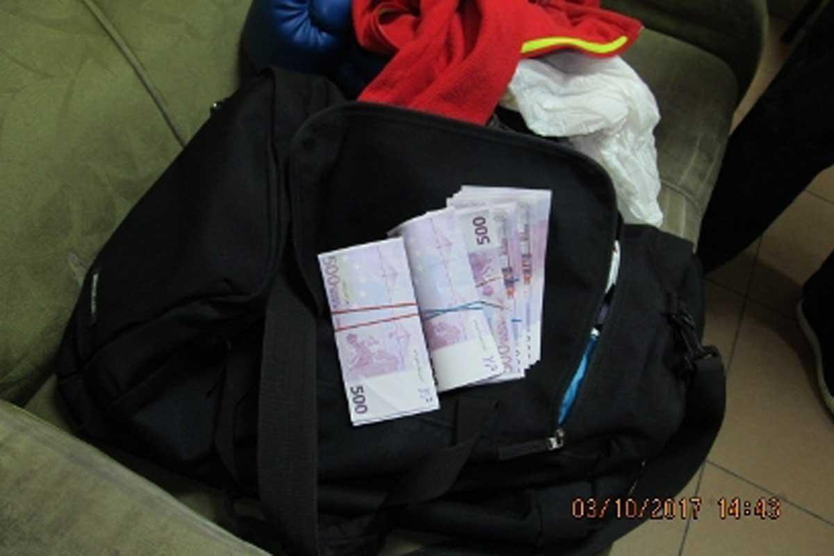 Нервный мужчина лишился огромной суммы денег под Харьковом
