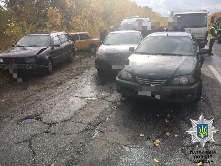 Крупная авария в Харькове. Несколько человек госпитализированы (фото, видео)