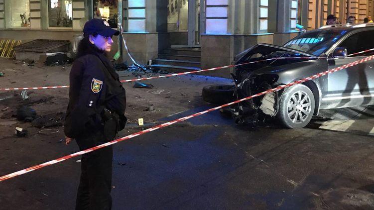 Трое пострадавших в аварии в центре Харькова остаются без сознания