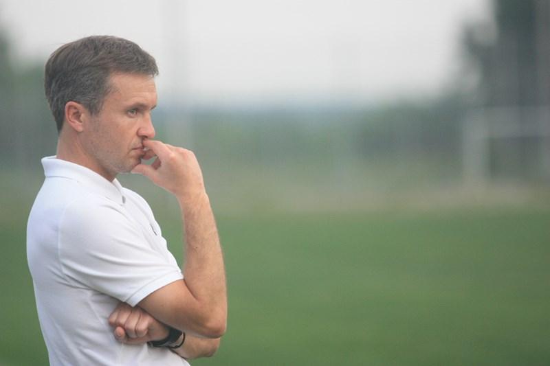 Харьковским футболистам поменяют наставника