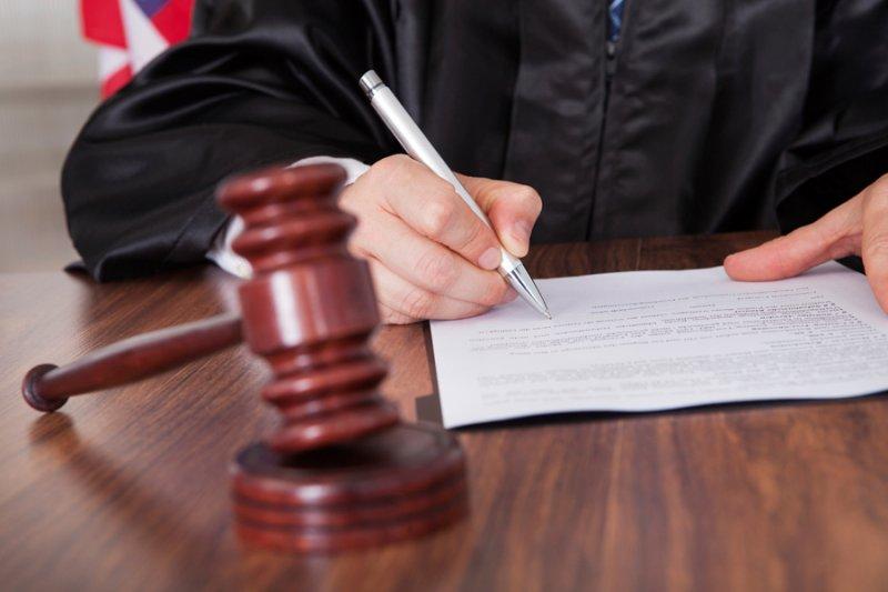 Мужчину, угробившего несколько десятков харьковчан, отпустили из зала суда