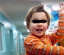Маленькая Кира, найденная на улице в Харькове, плохо спит из-за сообщений в СМИ - служба по делам детей