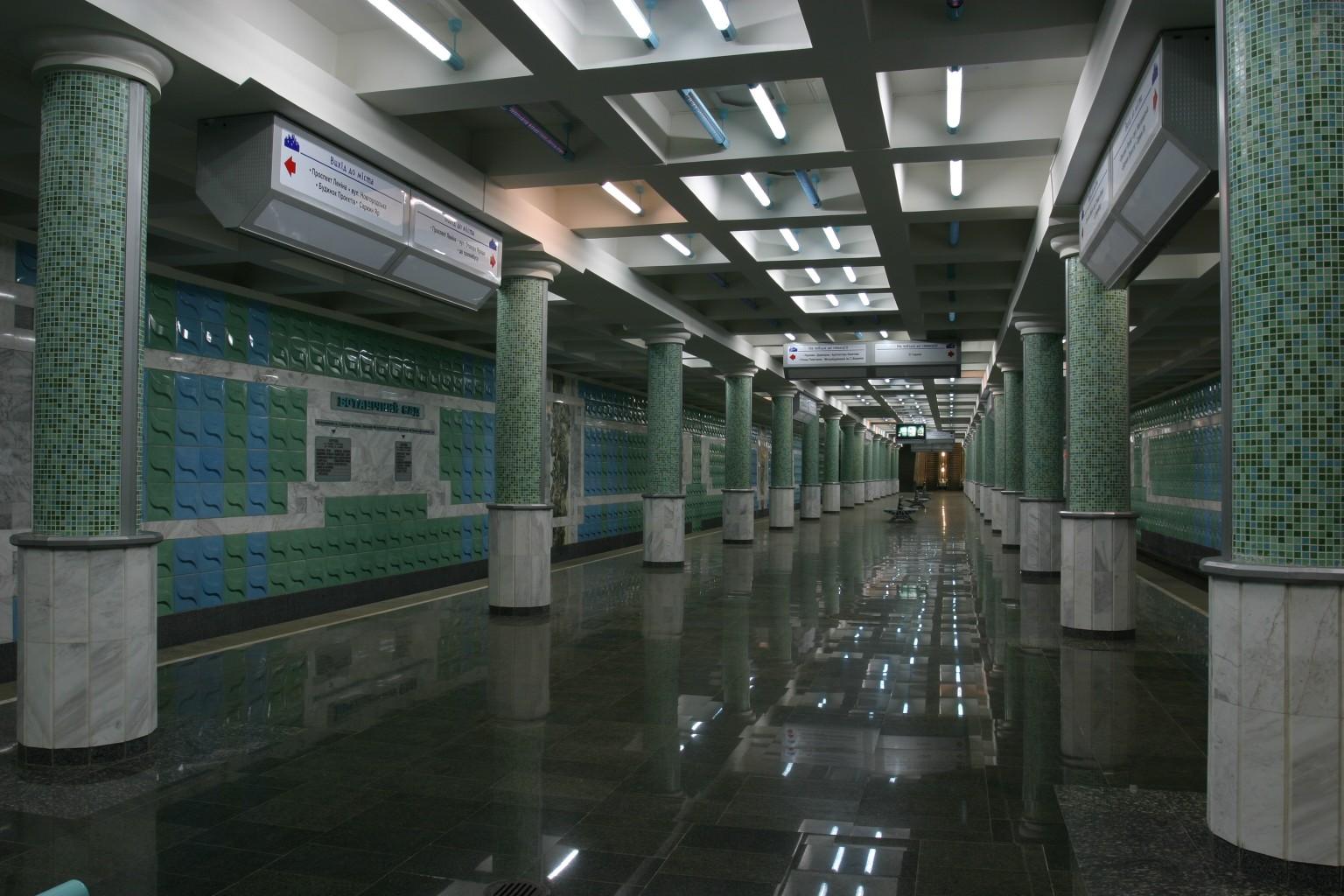 Пассажир устроил дебош в харьковском метро
