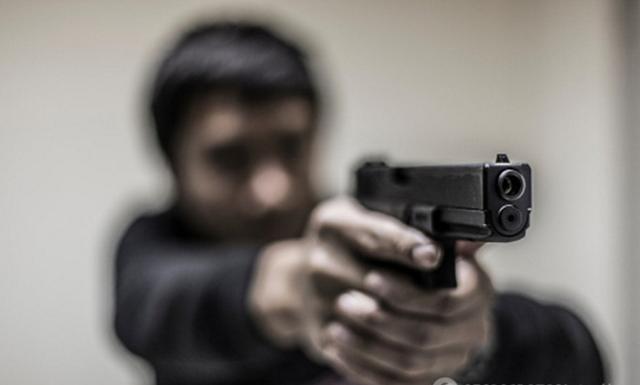 В Харькове молодой человек решился на рискованный шаг из-за отчаяния