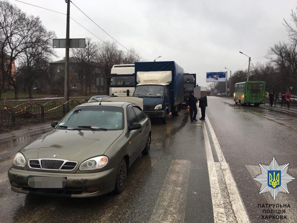 Крупная авария произошла в Харькове (фото)