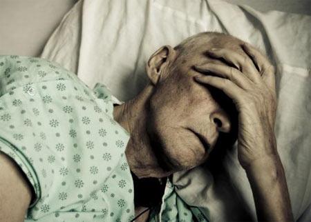 Трагедия в Харькове. Парализованному старику пришлось наблюдать страшную картину