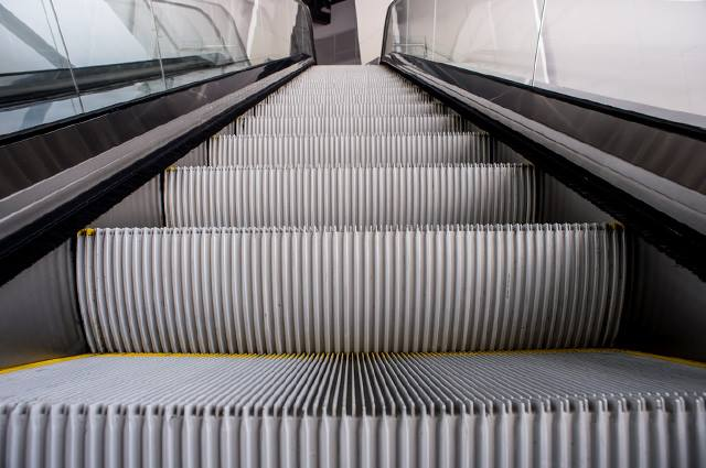 Происшествие в метро. Харьковчанка спасла мужчину от крупных неприятностей