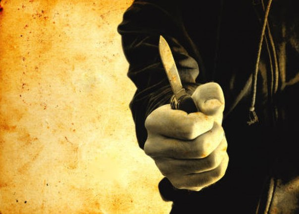 Пронзил печень и желудок. Случайный прохожий пострадал от рук неадекватного подростка из Харьковской области