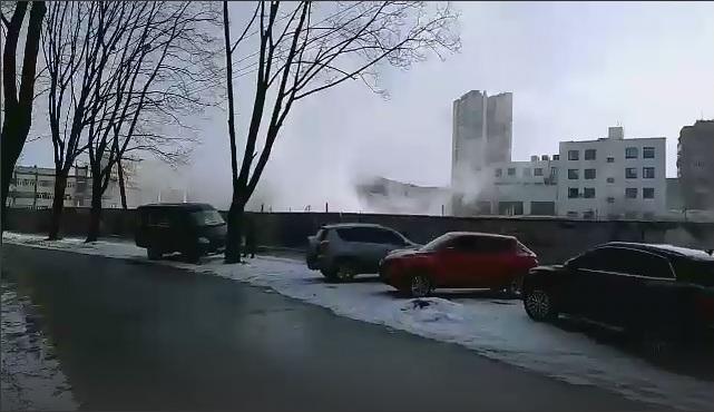 В Харькове серьезная авария на теплотрассе. Школы и детсады работать не будут – Кернес