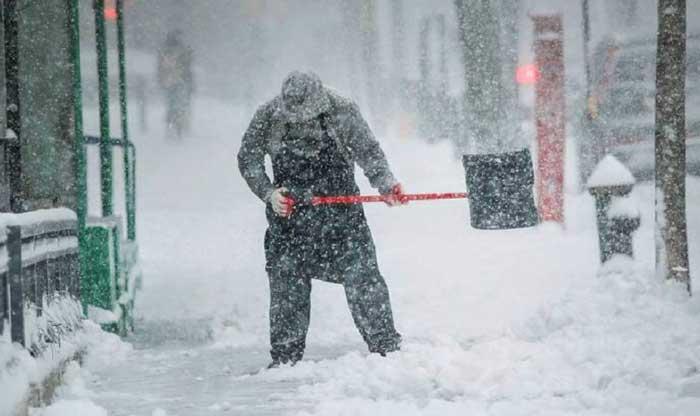 Большой снег идет в Харьков