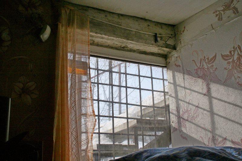 В Харькове несколько сотен людей постоянно избивали и держали в подвале (фото)
