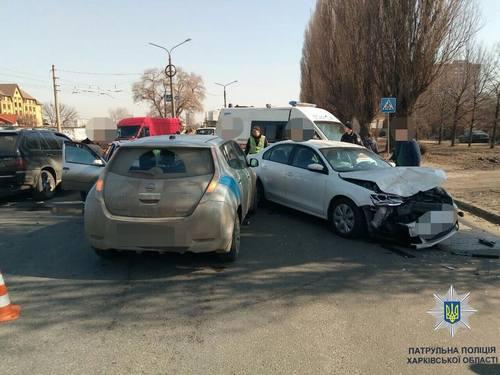 Авария в Харькове: много пострадавших (фото, видео)