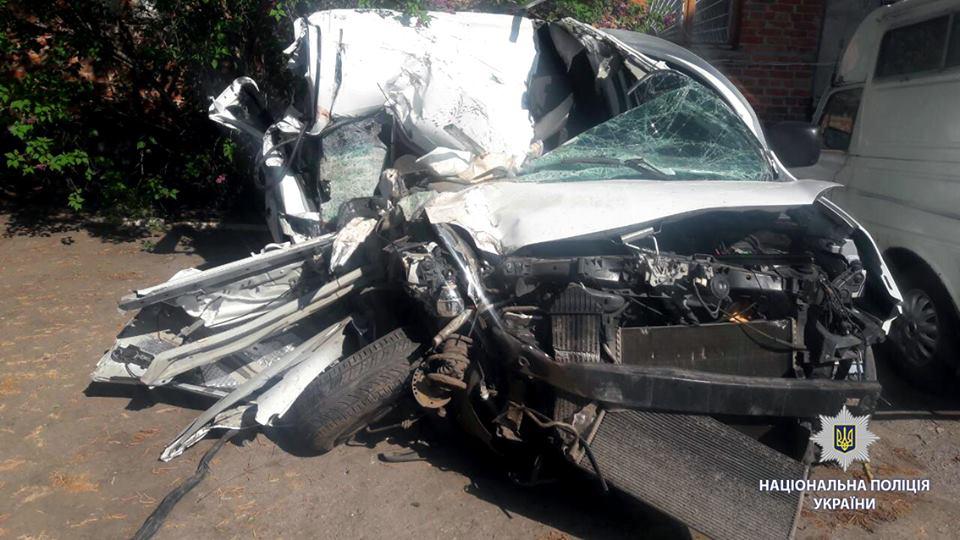 Жуткая авария на трассе. Есть погибшие (фото)