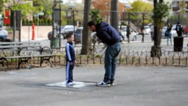 В Харькове странный мужчина выманил ребенка со двора и увел в неизвестном направлении