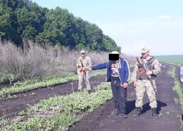 Двух перебежчиков поймали в полях под Харьковом