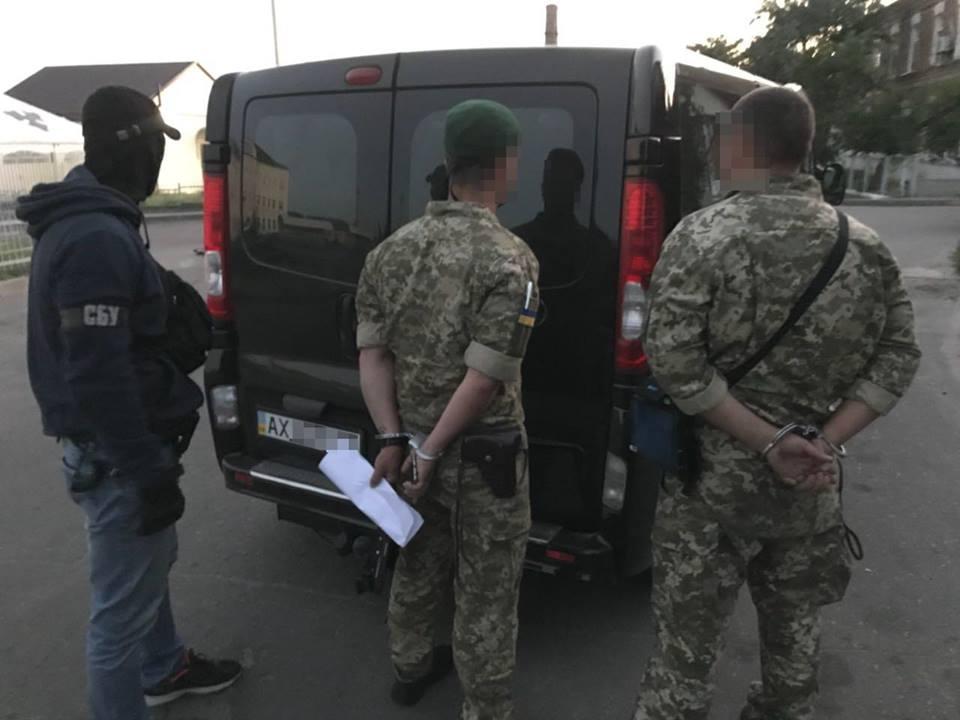 Военнослужащие попали в серьезную переделку под Харьковом (фото)