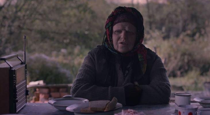 Жители Харькова наблюдали за пенсионеркой, которая объелась радиоактивных грибов (видео)