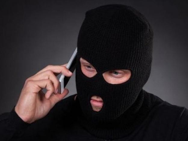 В Харькове мужчина ответил на звонок и лишился крупной суммы
