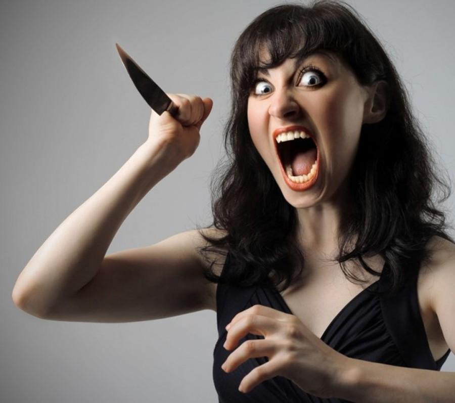 """Инцидент в харьковском ресторане: женщину забрала """"скорая"""" (фото)"""
