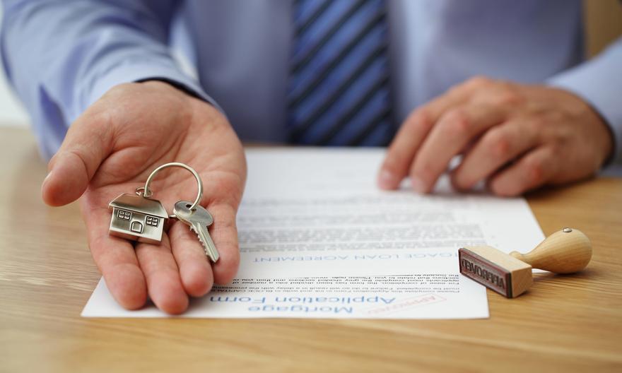 В Харьковской области у женщины забрали имущество из-за коммунальных долгов