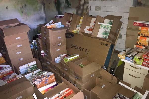 На складе харьковского магазина обнаружили спрятанные миллионы (фото)